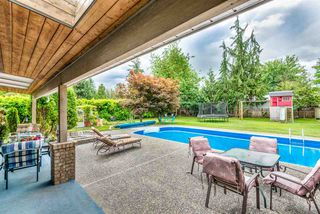 Photo 2: 21716 117 Avenue in Maple Ridge: West Central House for sale : MLS®# R2383577