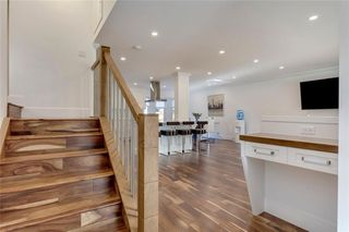 Photo 4: 5 42 Street SW in Calgary: Wildwood Detached for sale : MLS®# C4291719