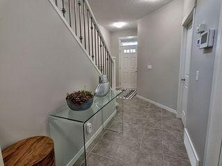 Photo 3: 5903 175 Avenue in Edmonton: Zone 03 House for sale : MLS®# E4200949