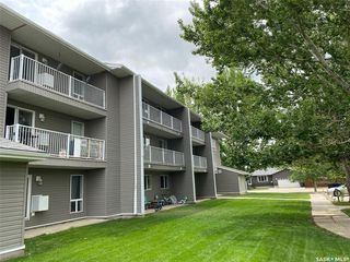 Photo 4: 32 Units 1825 &1833 Coteau Avenue in Weyburn: Multi-Family for sale : MLS®# SK818584