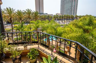 Photo 4: DOWNTOWN Condo for sale : 2 bedrooms : 500 W Harbor Drive #418 in San Diego