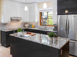 Photo 4: 4 849 Dunsmuir Rd in : Es Old Esquimalt House for sale (Esquimalt)  : MLS®# 855165