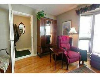 Photo 2:  in CALGARY: Woodbine Residential Detached Single Family for sale (Calgary)  : MLS®# C3111970