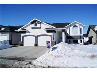 Photo 1: 304 Faldo Crescent: Warman Single Family Dwelling for sale (Saskatoon NW)  : MLS®# 392288