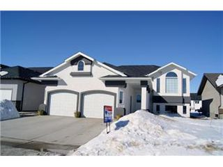 Photo 2: 304 Faldo Crescent: Warman Single Family Dwelling for sale (Saskatoon NW)  : MLS®# 392288