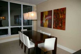 "Photo 3: 303 1328 MARINASIDE CR in Vancouver: False Creek North Condo for sale in ""CONCORD"" (Vancouver West)  : MLS®# V588979"