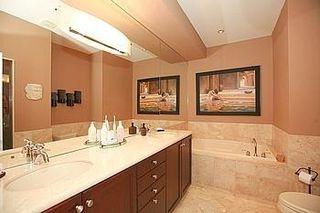 Photo 2: 104 24 Bonnell Crest in Aurora: Aurora Estates Condo for sale : MLS®# N2886079
