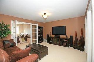 Photo 3: 104 24 Bonnell Crest in Aurora: Aurora Estates Condo for sale : MLS®# N2886079