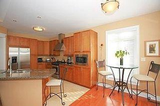 Photo 10: 104 24 Bonnell Crest in Aurora: Aurora Estates Condo for sale : MLS®# N2886079