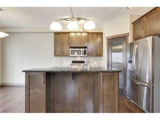 Photo 6: 514 NORTHMOUNT Drive NW in Calgary: Highwood House for sale : MLS®# C3653747
