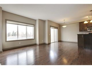 Photo 9: 514 NORTHMOUNT Drive NW in Calgary: Highwood House for sale : MLS®# C3653747