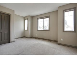 Photo 14: 514 NORTHMOUNT Drive NW in Calgary: Highwood House for sale : MLS®# C3653747