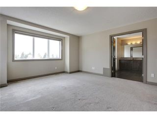 Photo 12: 514 NORTHMOUNT Drive NW in Calgary: Highwood House for sale : MLS®# C3653747