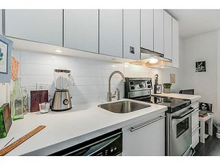 "Photo 7: 404 370 CARRALL Street in Vancouver: Downtown VE Condo for sale in ""21 DOORS"" (Vancouver East)  : MLS®# V1113227"