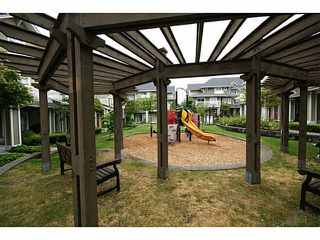 """Photo 17: 30 7388 MACPHERSON Avenue in Burnaby: Metrotown Townhouse for sale in """"ACACIA GARDENS"""" (Burnaby South)  : MLS®# V1125482"""