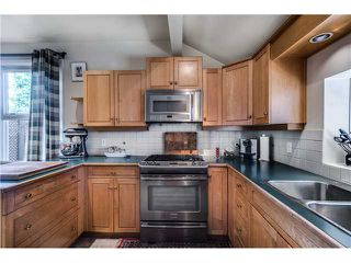 """Photo 7: 941 E 62ND Avenue in Vancouver: South Vancouver House for sale in """"SOUTH VANCOUVER"""" (Vancouver East)  : MLS®# V1126394"""