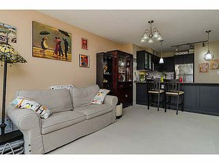 """Photo 10: 606 7225 ACORN Avenue in Burnaby: Highgate Condo for sale in """"Axis"""" (Burnaby South)  : MLS®# V1142352"""