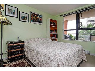 """Photo 12: 606 7225 ACORN Avenue in Burnaby: Highgate Condo for sale in """"Axis"""" (Burnaby South)  : MLS®# V1142352"""