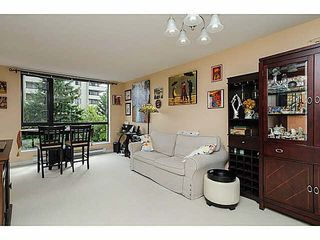 """Photo 6: 606 7225 ACORN Avenue in Burnaby: Highgate Condo for sale in """"Axis"""" (Burnaby South)  : MLS®# V1142352"""