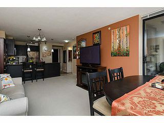 "Photo 9: 606 7225 ACORN Avenue in Burnaby: Highgate Condo for sale in ""Axis"" (Burnaby South)  : MLS®# V1142352"