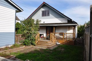 Photo 3: 433 GARRETT Street in New Westminster: Sapperton House for sale : MLS®# R2008067