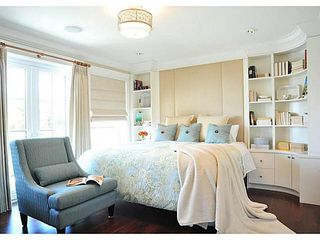 """Photo 16: 365 GLYNDE Avenue in Burnaby: Capitol Hill BN House for sale in """"CAPITAL HILL"""" (Burnaby North)  : MLS®# R2029979"""
