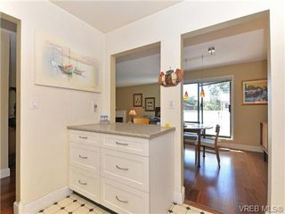 Photo 9: 216 1366 Hillside Avenue in VICTORIA: Vi Oaklands Condo Apartment for sale (Victoria)  : MLS®# 369414
