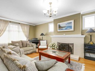 "Photo 3: 1689 W 62ND Avenue in Vancouver: South Granville House for sale in ""SOUTH GRANVILLE"" (Vancouver West)  : MLS®# R2161750"