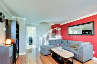 Photo 4: 10 9540 PRINCE CHARLES Boulevard in Surrey: Queen Mary Park Surrey Townhouse for sale : MLS®# R2162922