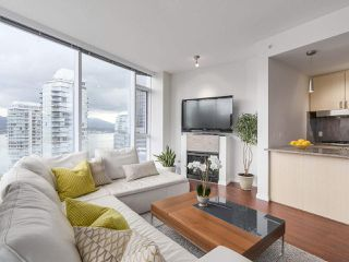 "Photo 6: 1705 1211 MELVILLE Street in Vancouver: Coal Harbour Condo for sale in ""THE RITZ"" (Vancouver West)  : MLS®# R2173539"