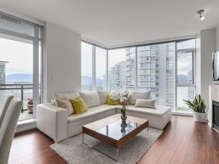 "Photo 3: 1705 1211 MELVILLE Street in Vancouver: Coal Harbour Condo for sale in ""THE RITZ"" (Vancouver West)  : MLS®# R2173539"