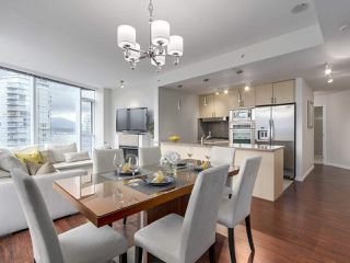 "Photo 10: 1705 1211 MELVILLE Street in Vancouver: Coal Harbour Condo for sale in ""THE RITZ"" (Vancouver West)  : MLS®# R2173539"
