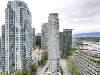 "Photo 9: 1705 1211 MELVILLE Street in Vancouver: Coal Harbour Condo for sale in ""THE RITZ"" (Vancouver West)  : MLS®# R2173539"