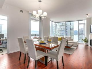 "Photo 2: 1705 1211 MELVILLE Street in Vancouver: Coal Harbour Condo for sale in ""THE RITZ"" (Vancouver West)  : MLS®# R2173539"
