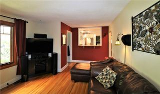 Photo 5: 2515 17A Street NW in Calgary: Capitol Hill House for sale : MLS®# C4123330