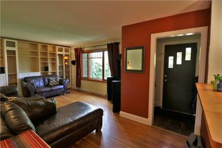 Photo 4: 2515 17A Street NW in Calgary: Capitol Hill House for sale : MLS®# C4123330