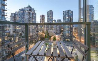 "Photo 11: 2202 939 HOMER Street in Vancouver: Yaletown Condo for sale in ""PINNACLE"" (Vancouver West)  : MLS®# R2183796"