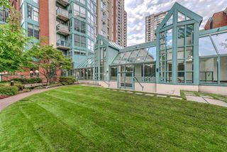 "Photo 20: 2202 939 HOMER Street in Vancouver: Yaletown Condo for sale in ""PINNACLE"" (Vancouver West)  : MLS®# R2183796"