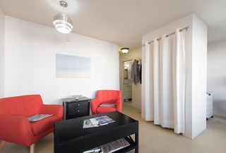 "Photo 8: 105 2335 YORK Avenue in Vancouver: Kitsilano Condo for sale in ""YORKDALE VILLA"" (Vancouver West)  : MLS®# R2215040"