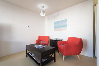 "Photo 7: 105 2335 YORK Avenue in Vancouver: Kitsilano Condo for sale in ""YORKDALE VILLA"" (Vancouver West)  : MLS®# R2215040"