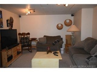 Photo 9: 28 HALIBURTON Crescent in Red Deer: RR Highland Green Residential for sale : MLS®# CA0053277