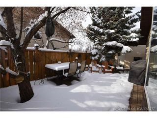 Photo 2: 28 HALIBURTON Crescent in Red Deer: RR Highland Green Residential for sale : MLS®# CA0053277
