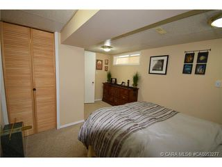 Photo 5: 28 HALIBURTON Crescent in Red Deer: RR Highland Green Residential for sale : MLS®# CA0053277