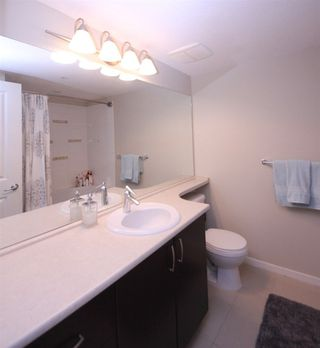 "Photo 8: 307 3110 DAYANEE SPRINGS Boulevard in Coquitlam: Westwood Plateau Condo for sale in ""LEDGEVIEW"" : MLS®# R2229127"