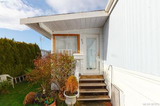 Photo 2: 57 7701 Central Saanich Road in SAANICHTON: CS Hawthorne Manu Single-Wide for sale (Central Saanich)  : MLS®# 387273