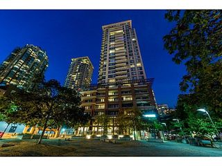 "Photo 17: 310 977 MAINLAND Street in Vancouver: Yaletown Condo for sale in ""YALETOWN PARK III by Wall Financial"" (Vancouver West)  : MLS®# R2241322"