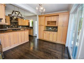 Photo 11: 4122 Delmar Avenue in VICTORIA: SW Strawberry Vale Residential for sale (Saanich West)  : MLS®# 358654