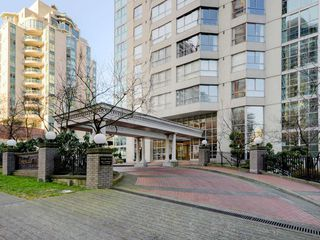 "Photo 5: 801 717 JERVIS Street in Vancouver: West End VW Condo for sale in ""EMERALD WEST"" (Vancouver West)  : MLS®# R2245195"