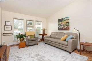 Photo 4: 22 4140 Interurban Road in VICTORIA: SW Strawberry Vale Townhouse for sale (Saanich West)  : MLS®# 388613
