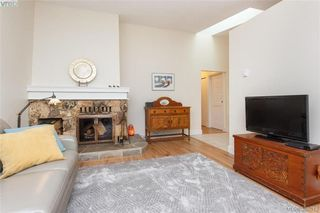 Photo 5: 22 4140 Interurban Road in VICTORIA: SW Strawberry Vale Townhouse for sale (Saanich West)  : MLS®# 388613